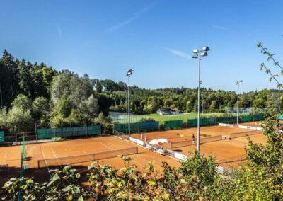 Waldstrasse 4_Tenniscourt